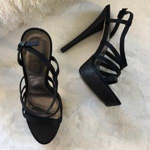 NINE WEST BLACK GLITTER STRAP PLATFORM HEELS